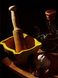 Приготовление Алиоли, чеснок и оливковое масло